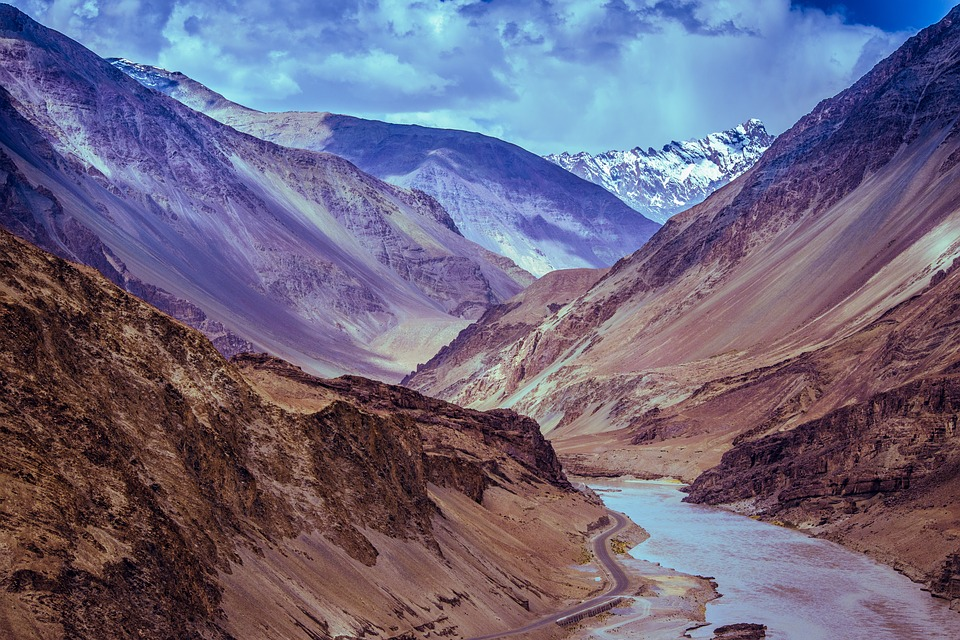 Things you should know while preparing for Leh-Ladakh motorcycle ride.